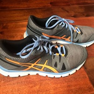 Asics gel running shoe 9 excellent condition